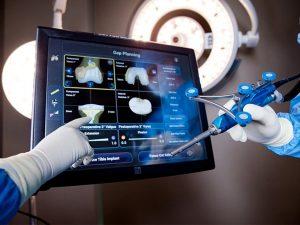 Αρθρίτιδα στο γόνατο; Το χειρουργικό σύστημα ρομποτικής τεχνολογίας που την αντιμετωπίζει οριστικά